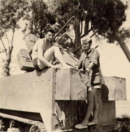 Halte à Colbert d'un convoi militaire français en direction de Ouled Tebben,1958