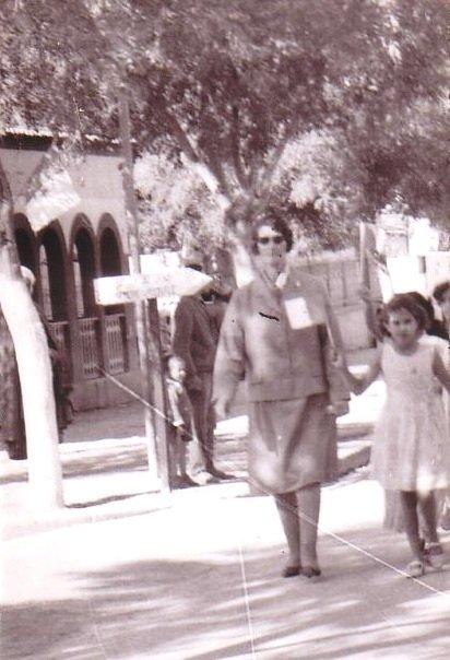 Mme-DOUHIL-en-1970-à-AO-Visite-du-Pr-Houari-Boumediène